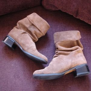 SANTANA CANADA Brown Suede Boots (Size 6/6.5)